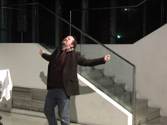 Die ipod Nutte. Raimund Becker-Wurzwallner als Max