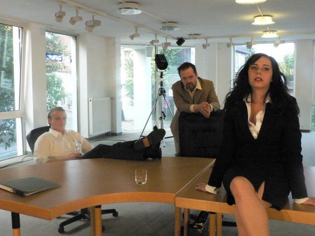 Die Grönholm-Methode. Ein Theaterstück über Topmanager, Bewerbungsgespräche, Kapitalismus und andere Katastrophen.
