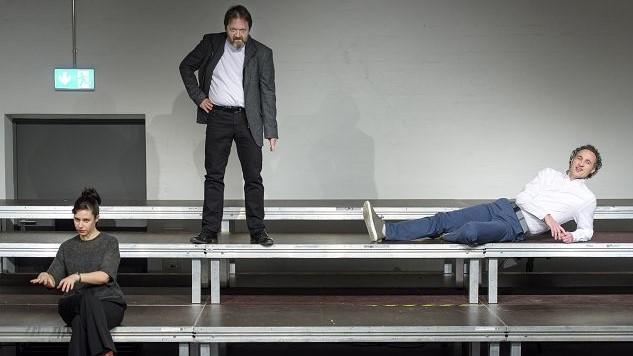Ein Theaterstück über Workoholics. Theater zur weiten Welt